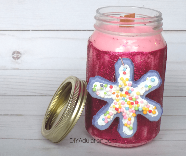 Pink-Glitter-Jar-Candle-next-to-Lid