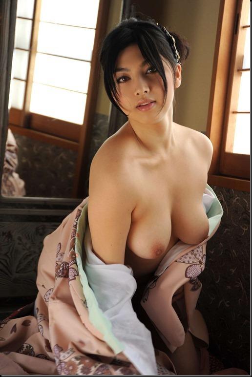 Saori Hara in Kimono_246748-0051