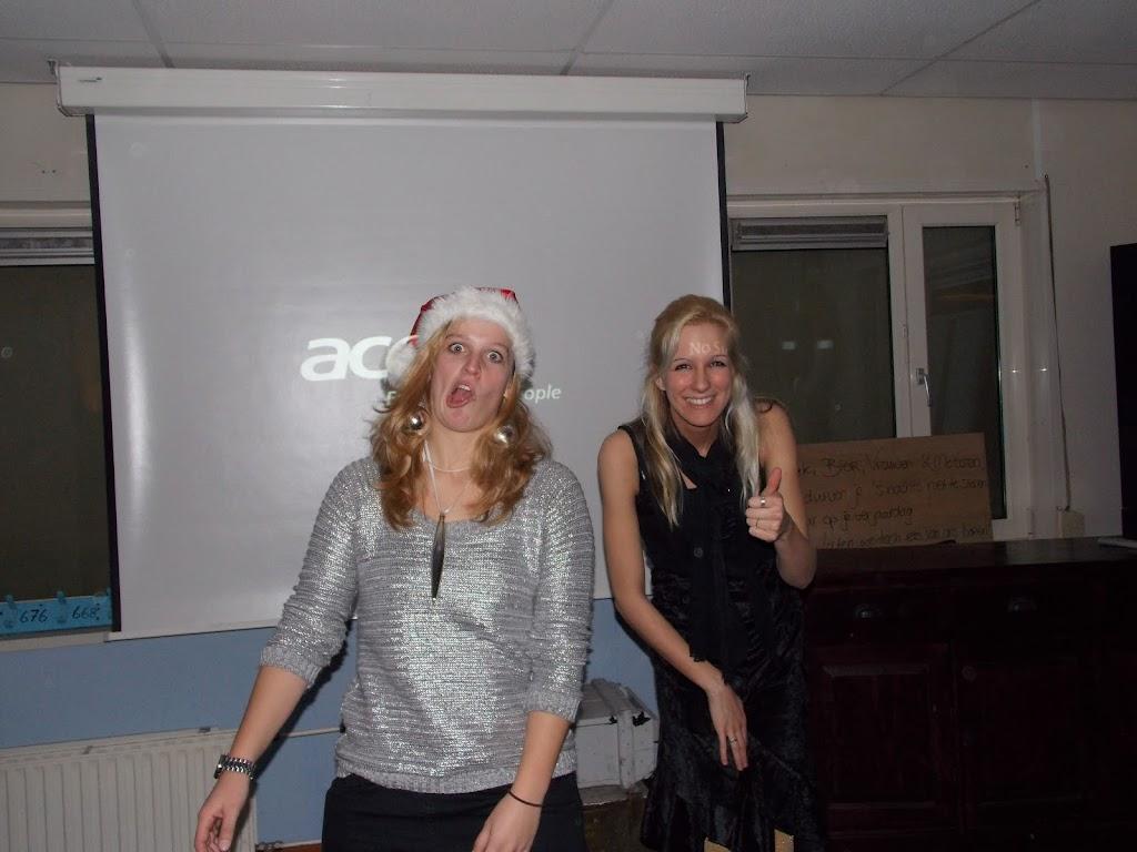 Bevers & Welpen - Kerst filmavond 2012 - DSCN0896.JPG