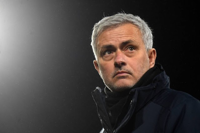 TIME TO CLEAR THE DEAD WOODS: MOURINHO PUTS EIGHT ROMA PLAYERS UP FOR SALE