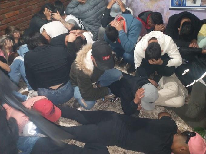 Más de 90 jovenes en una fiesta clandestina  y quedaron demorados en Comando de Vgg