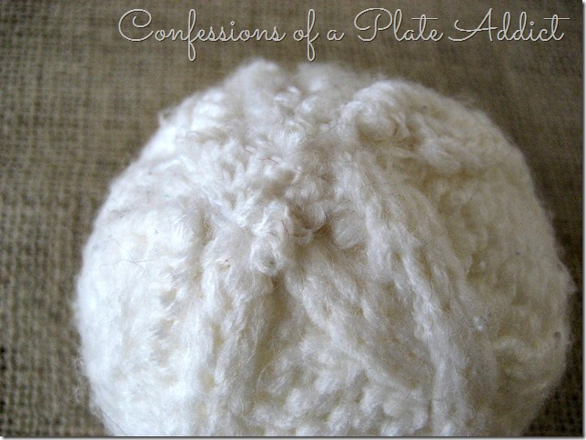 CONFESSIONS OF A PLATE ADDICT Wintery Centerpiece with Sweater Snowballs tutorial2