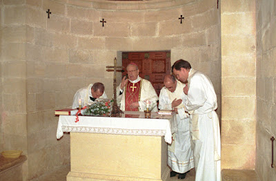 Blessed-Alvaro-celebrates-mass-in-Mount-Tabor