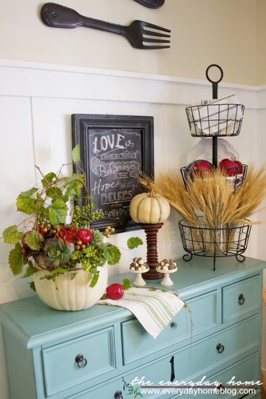 Fall-Apple-and-Pumpkin-Planter-Vignette-The-Everyday-Home-www.everydayhomeblog.com_-600x900