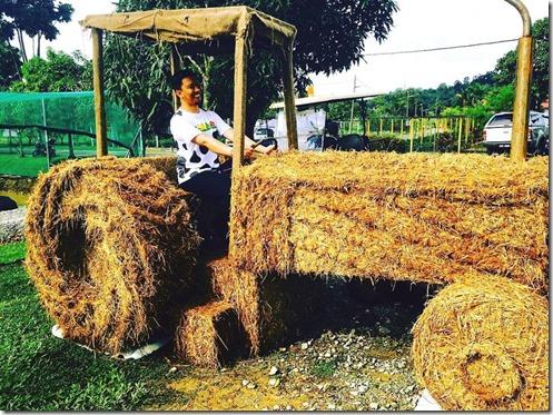 traktor-jerami-maha-2016