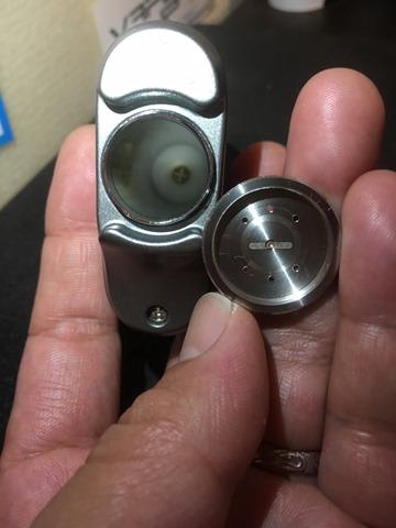 IMG 8716 thumb2 - 【見た目重視!ステルス系フルメタルMOD】「Rofvape Witcher Box Mod 75W TC(ロフベイプ・ウィッチャー)」【レビュー】~これじゃなきゃダメなの(*'∀'*)?編~