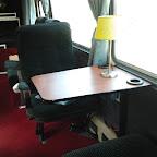 tafel en stoel in de mercedes 0303 van  Hummelinckstuurman