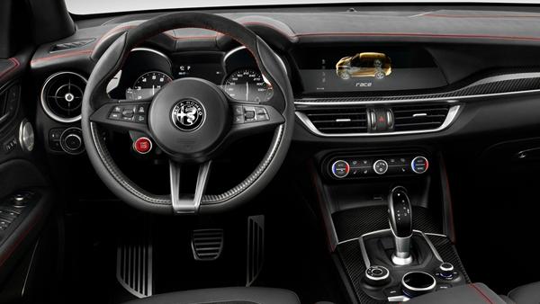 Alfa Romeo-Stelvio Quadrifoglio interior