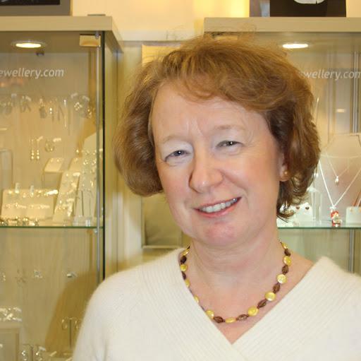 Lesley Watts