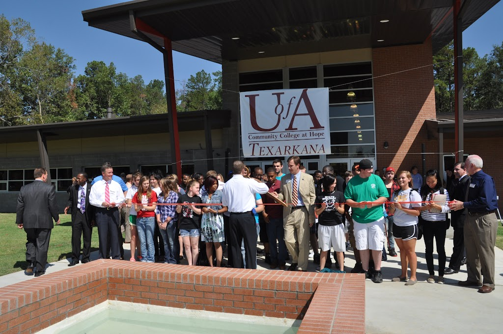 UACCH-Texarkana Ribbon Cutting - DSC_0393.JPG