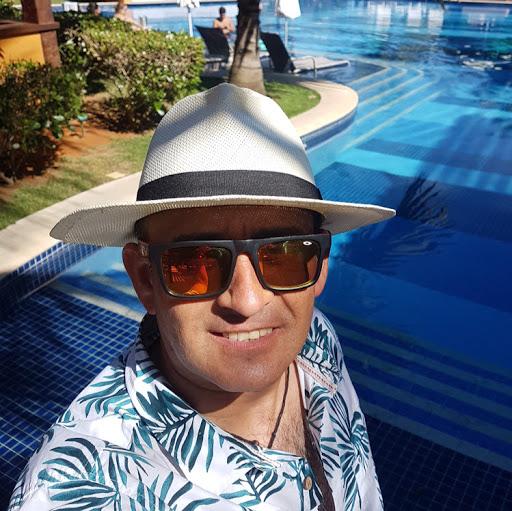 Carlos Quiroz Photo 33