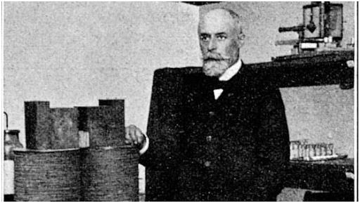 قبل 125 عامًا في باريس عندما قدم هنري بيكريل اكتشافه للنشاط الإشعاعي