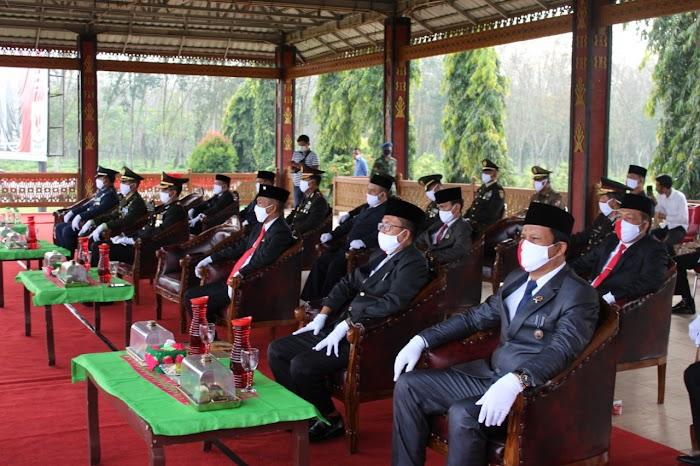 Upacara HUT RI Ke 75 Republik indonesia Di Lapangan Pemkab Tulang bawang barat.