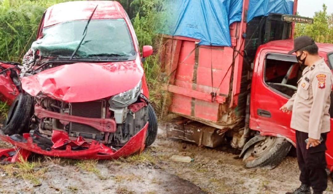 Kecelakaan Mobil Calya Versus Truk Di Bukit Batu 2 Tewas 5 Luka Luka