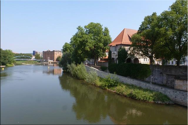 El río Weser atraviesa la ciudad de Hamelín (Hameln)