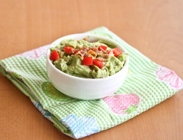 photo of a bowl of BLT Guacamole