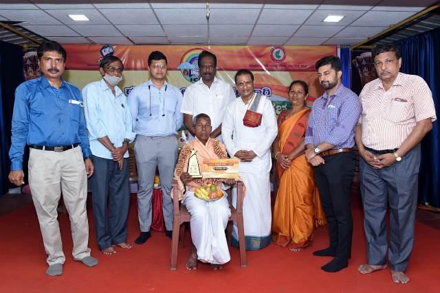 Harekala Hajabba honoured | ಕರಾವಳಿ ಸಾಂಸ್ಕೃತಿಕ ಸೌರಭದಲ್ಲಿ ಪದ್ಮಶ್ರೀ ಪುರಸ್ಕೃತ ಹಾಜಬ್ಬ ಹರೇಕಳರಿಗೆ ಅಭಿನಂದನೆ