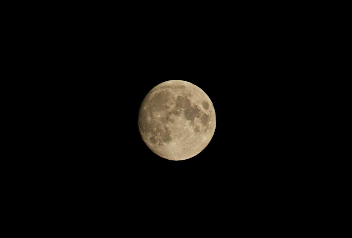 「後の十三夜」@自宅のベランダ photo by noboru