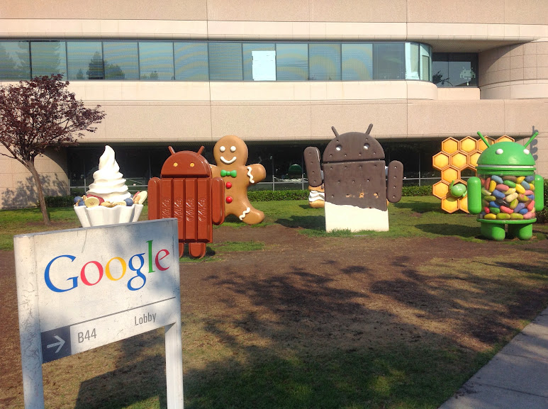 Android statues at the Googleplex