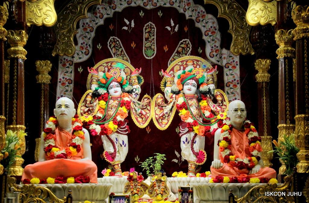 ISKCON Juhu Sringar Deity Darshan on 2nd Jan 2017 (36)