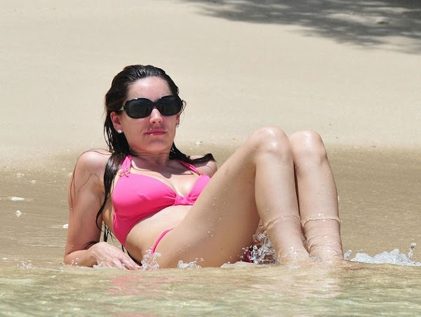 Kelly Brook bikini pics, part three [41 more]  #bikini girl:celebrities,bikini girl,cleavage