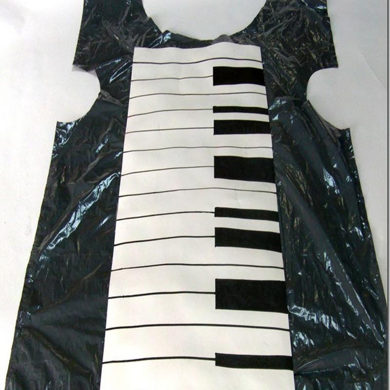 Disfraz casero de piano con bolsa de basura
