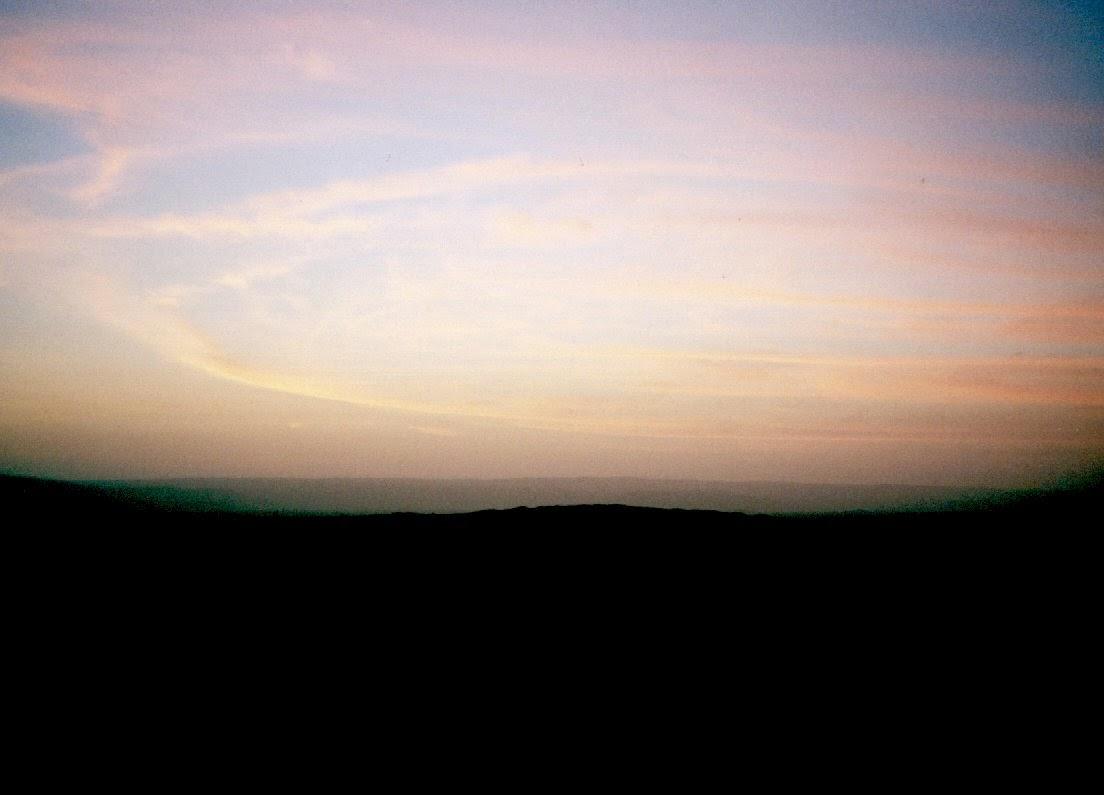 Sonnenaufgang in der Wüste bei Ica