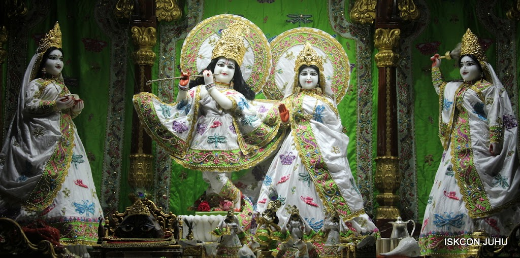 ISKCON Juhu Mangal Deity Darshan on 4th June 2016 (25)
