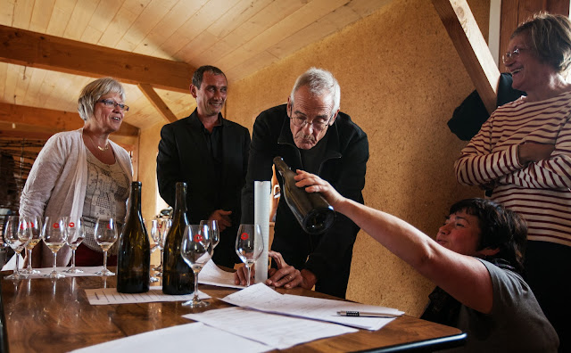 Assemblage des chardonnay milésime 2012. guimbelot.com - 2013%2B09%2B07%2BGuimbelot%2Bd%25C3%25A9gustation%2Bd%25E2%2580%2599assemblage%2Bdu%2Bchardonay%2B2012%2B129.jpg