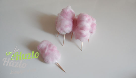 Algodones de azúcar para decorar.