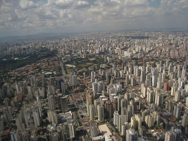 Aerial view of the city of São Paulo. Photo: AHLN / Flickr
