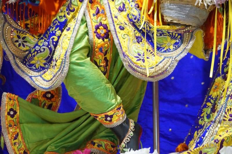 ISKCON Noida Deity Darshan 01 Jan 2017 (4)