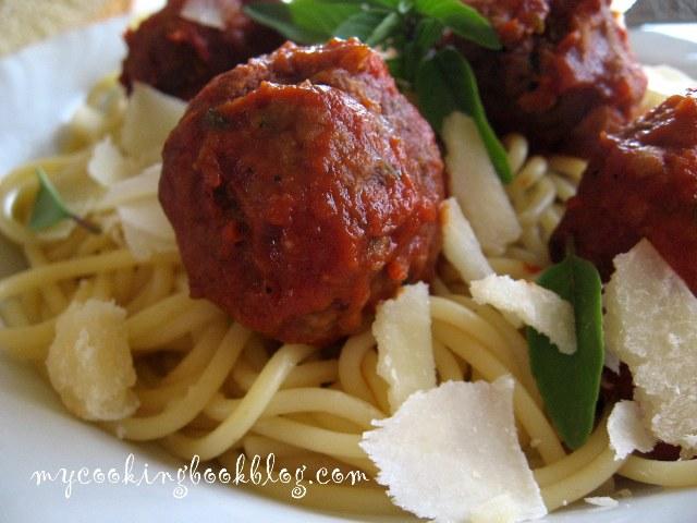 Спагети с телешки кюфтенца