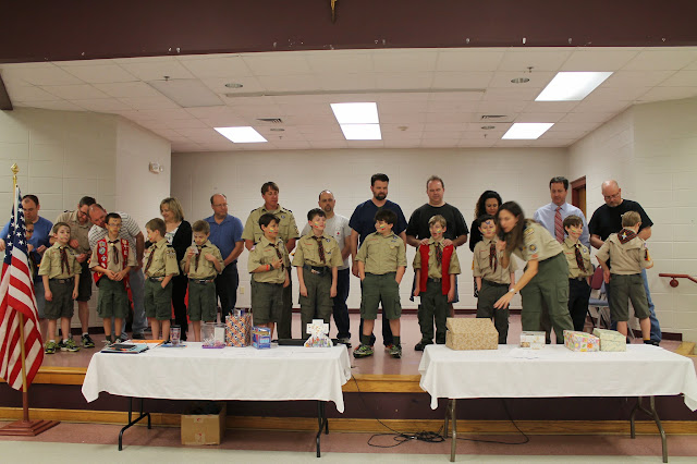 Pack Meeting: April 2014 - IMG_3645.JPG