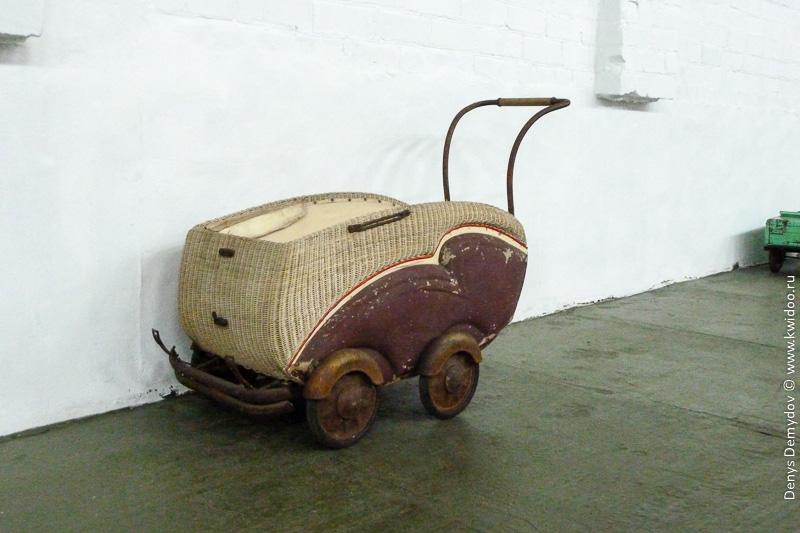 Детская коляска советского образца