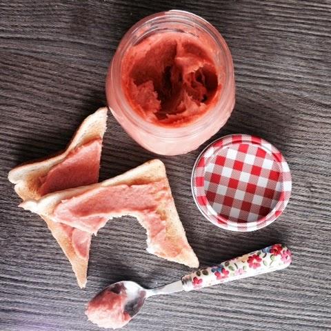 Foodie Quine - Rhubarb Curd