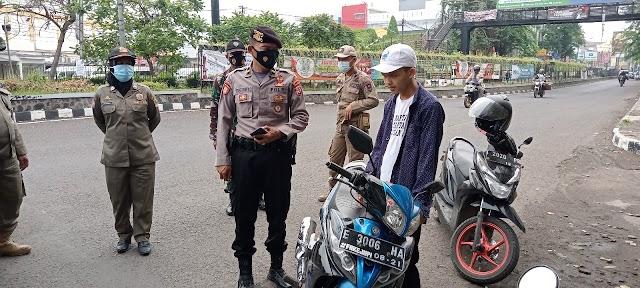 Guna Meminimalisir Penyebaran Covid-19,Gabungan TNI-POLRI,Dishub,Dan Satpol PP Kabupaten Karawang, Gencarkan Operasi Yustisi.