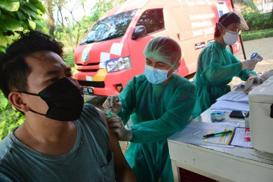 Epidemiolog: Pemerintah Tak Punya Uang Bilang Saja!