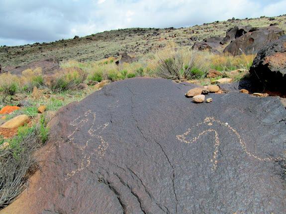 Horse petroglyphs