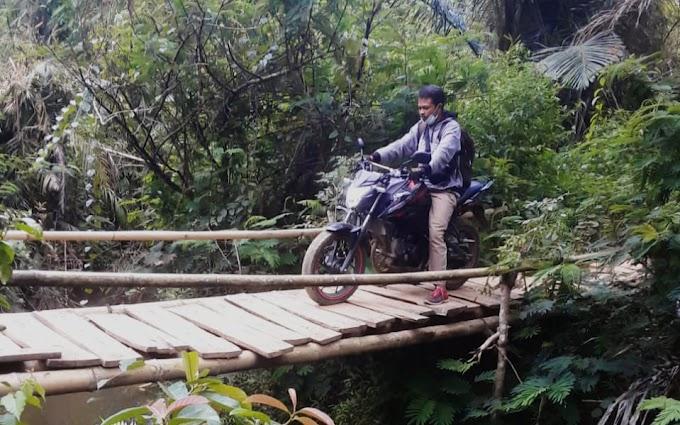 Miris! Kondisi Jembatan Penghubung Tidak Layak, Valens Pemuda Dusun Purek Minta Pemda dan DPRD Mabar Jangan Tutup Mata