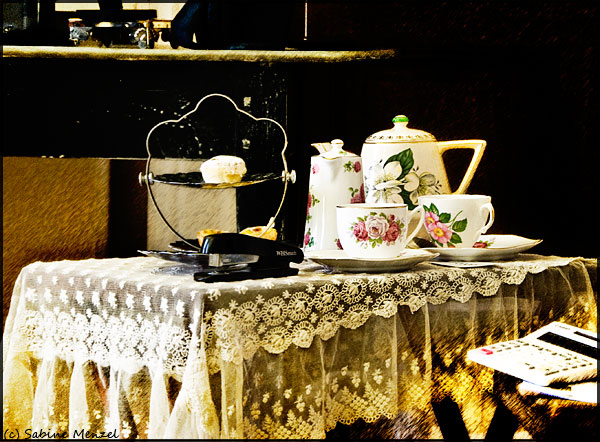 Psynopsis LFW Somerset House Tea Table