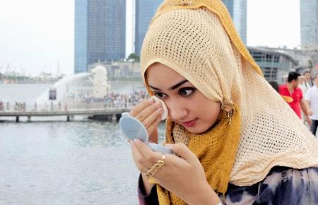 8 Cara Berdandan Yang Terlarang Bagi Muslimah