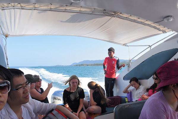 Cruise by speed boat to the twin islands of Koh Rok