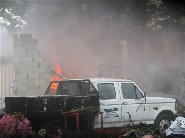 Friendfield Rd. Auto Repair Shop Fire 005.jpg