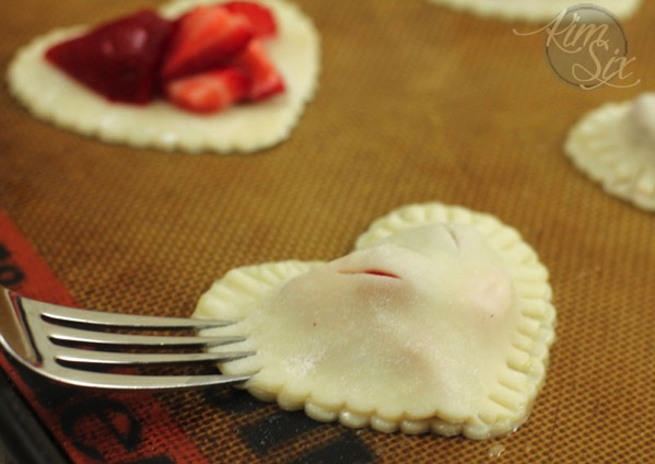 Sealing strawberry pies
