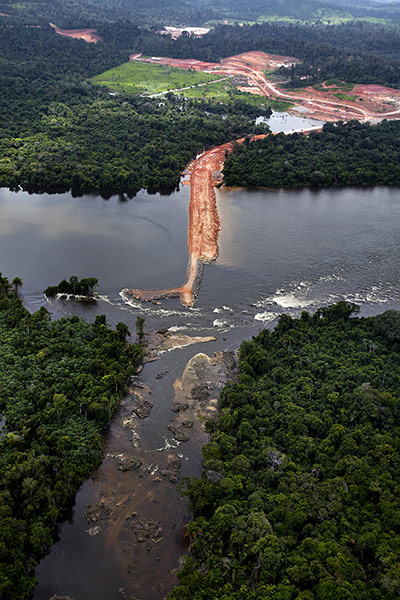 The Belo Monte would be the third largest dam in the world, and the second largest in Brazil. It is expected to submerge as much as 400,000 hectares and could displace an estimated 20,000 people. Photograph: Marizilda Cruppe/Greenpeace