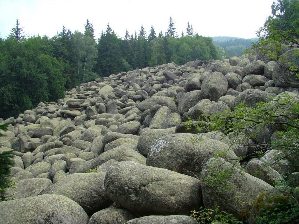 Big stone river russia amusing planet for What are river stones