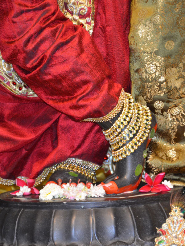 ISKCON Ahmedabad Deity Darshan 30 Mar 2016  (2)
