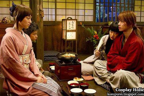rurouni kenshin cosplay - kamiya kaoru, myojin yahiko, takani megumi, and himura kenshin
