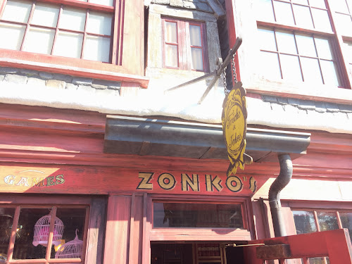 Zonko's Closed and more Wizarding World news in this week's PotterWatch (photos by Seth Kubersky)
